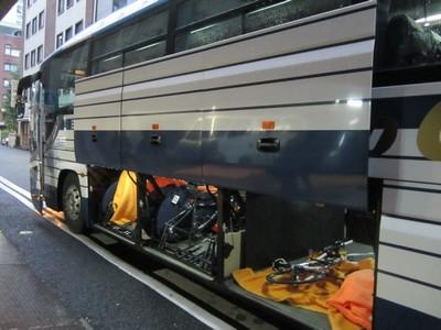 バス積載の様子1